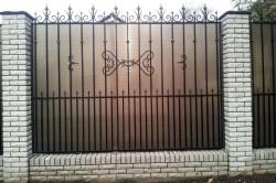 Забор из поликороната