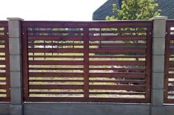 Ранчо представляет собой строение, состоящее из четырех досок или жердей, которые прибиваются к деревянным столбам.