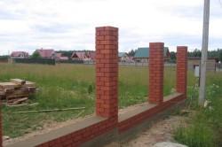 Строительство кирпичных столбов