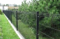 Металлический забор из сварной сетки 3D