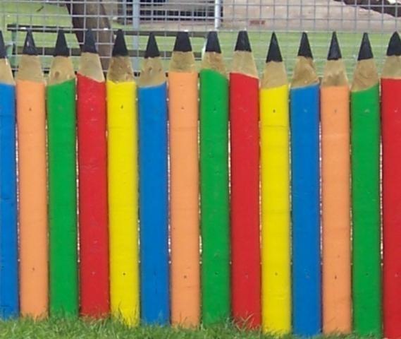 Деревянный забор из штакетин