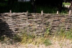 Плетень из прутьев