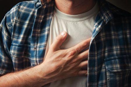 болит верхняя часть грудной клетки