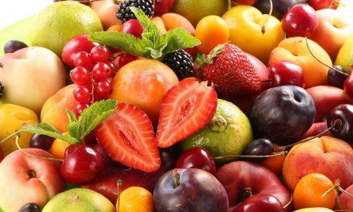 Многие фрукты и ягоды гастроэнтерологи категорически запрещают употреблять пациентам, у которых диагностировано воспаление поджелудочной железы