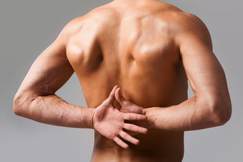 Почему возникает хруст в спине и позвоночнике