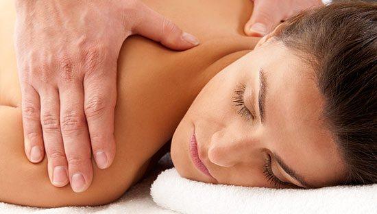 Принципы и виды массажа при лечении искривлений спины
