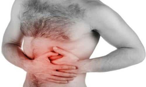 Нередко дискомфорт при этом отдается в эпигастральную область и правую сторону, что является симптомом сочетанного поражения желудка, 12-перстной кишки и желчных протоков