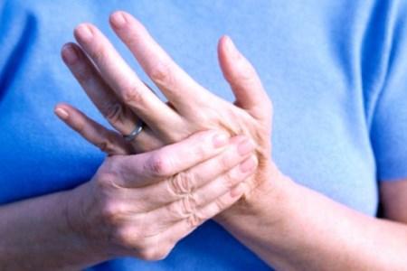 считаю, при шейном остеохондрозе немеет левая рука симпатичный