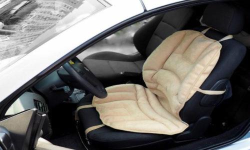 Для таксистов, водителей-дальнобойщиков и людей, которые по долгу службы вынуждены проводить много времени за рулем, в продаже имеются ортоподушки для водительского кресла