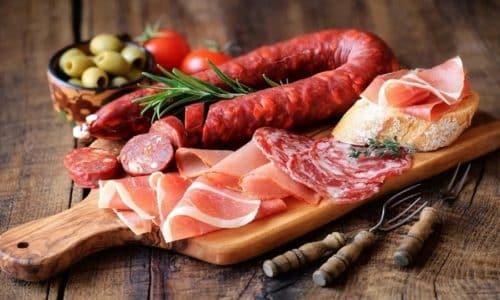 Острые, соленые и копченые блюда не рекомендованы к употреблению при интерстициальном, геморрагическом и других видах цистита