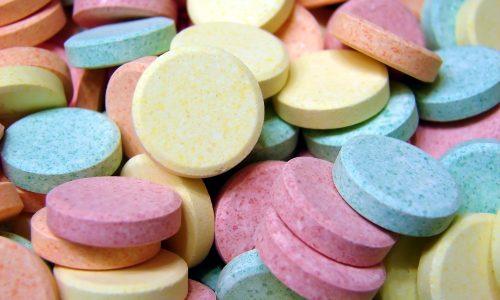 Лечение медикаментами назначается при легкой форме заболевания