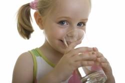 Обильное питье при лечении трахеобронхита у детей