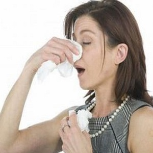 Насморк, как симптом аллергии на пыль