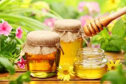Польза меда для лечения нарыва на десне