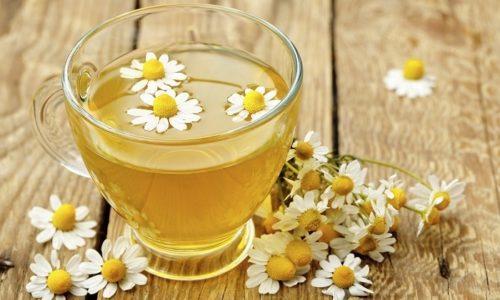 Благодаря полезным веществам и целебным свойствам ромашка часто используется для лечения и профилактики цистита