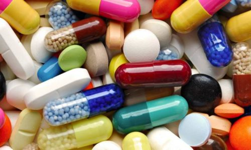 Полный перечень лекарств от цистита включает как антимикробные средства, так и медикаменты, облегчающие отток мочи и уменьшающие боль