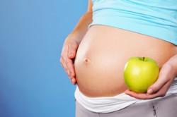 Усиленный прием витаминов при беременности для профилактики болезней зубов