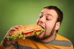 Жирная пища - причина запора